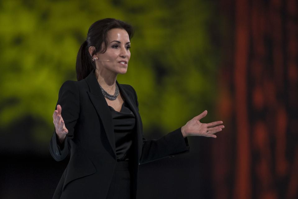 Salesforce 的 CMO Stephanie Buscemi 离职