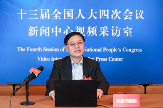 人大代表杨元庆:新IT赋能实体经济,构建新发展格局